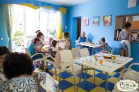 Отдых в Крыму с детьми. Заозерное. Гостиный двор Вояж. Время обеда...
