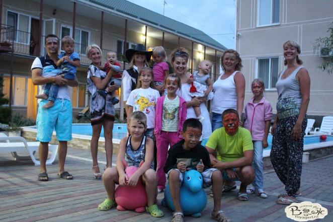 Отдых в Крыму с детьми.Заозерное.Гостиный двор Вояж.Вместе веселее...